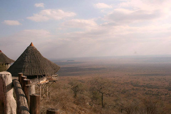 Lions Bluff Lodge Tsavo West