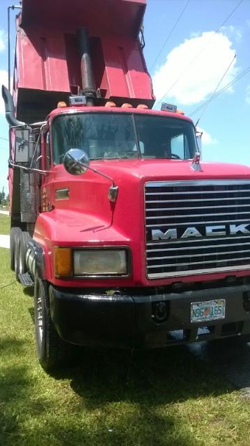 Faura's Trucking