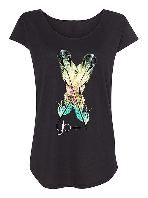 2 FEATHERS scoop neck scallop tee (black)