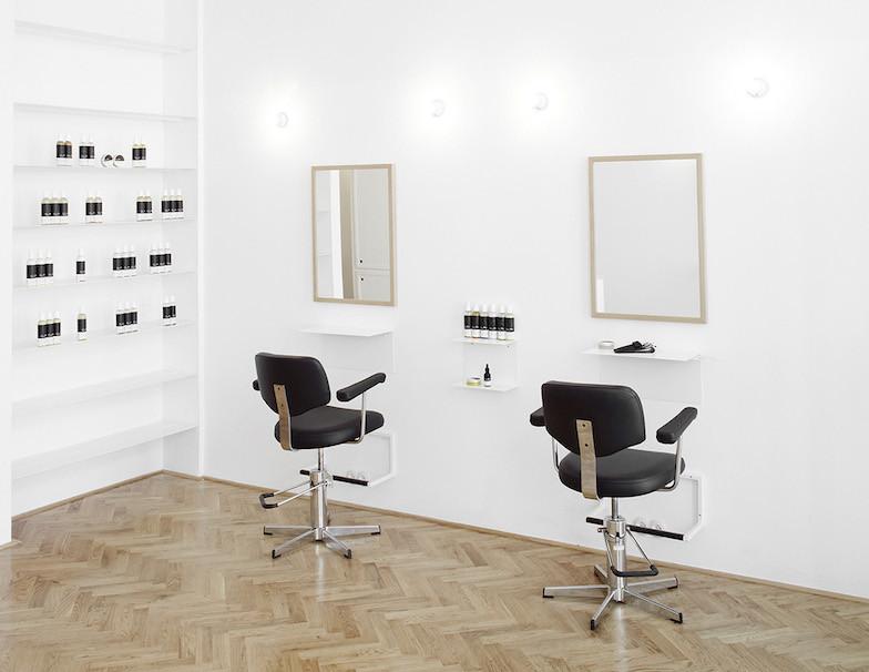 Less is More luomushampoo kokemuksia saa minusplus salongissa Wienissä