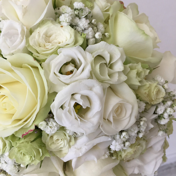 bouquet sposa a goccia bianco romantico