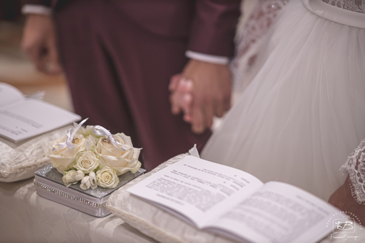 cuscino porta fedi floreale wedding planner