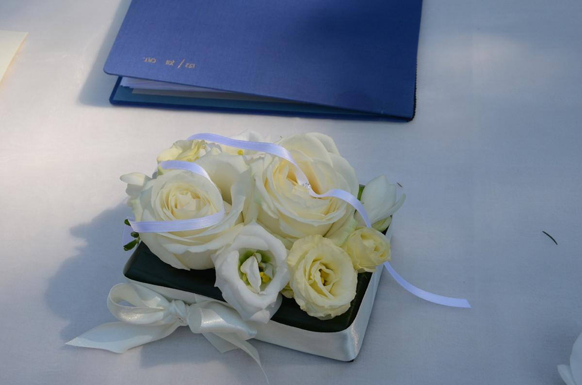 cuscino fedi fiori brescia manerbio