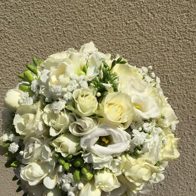 bouquetr sposa tondo bianco brescia manerbio