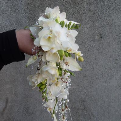bouquet sposa da polso design ricercato