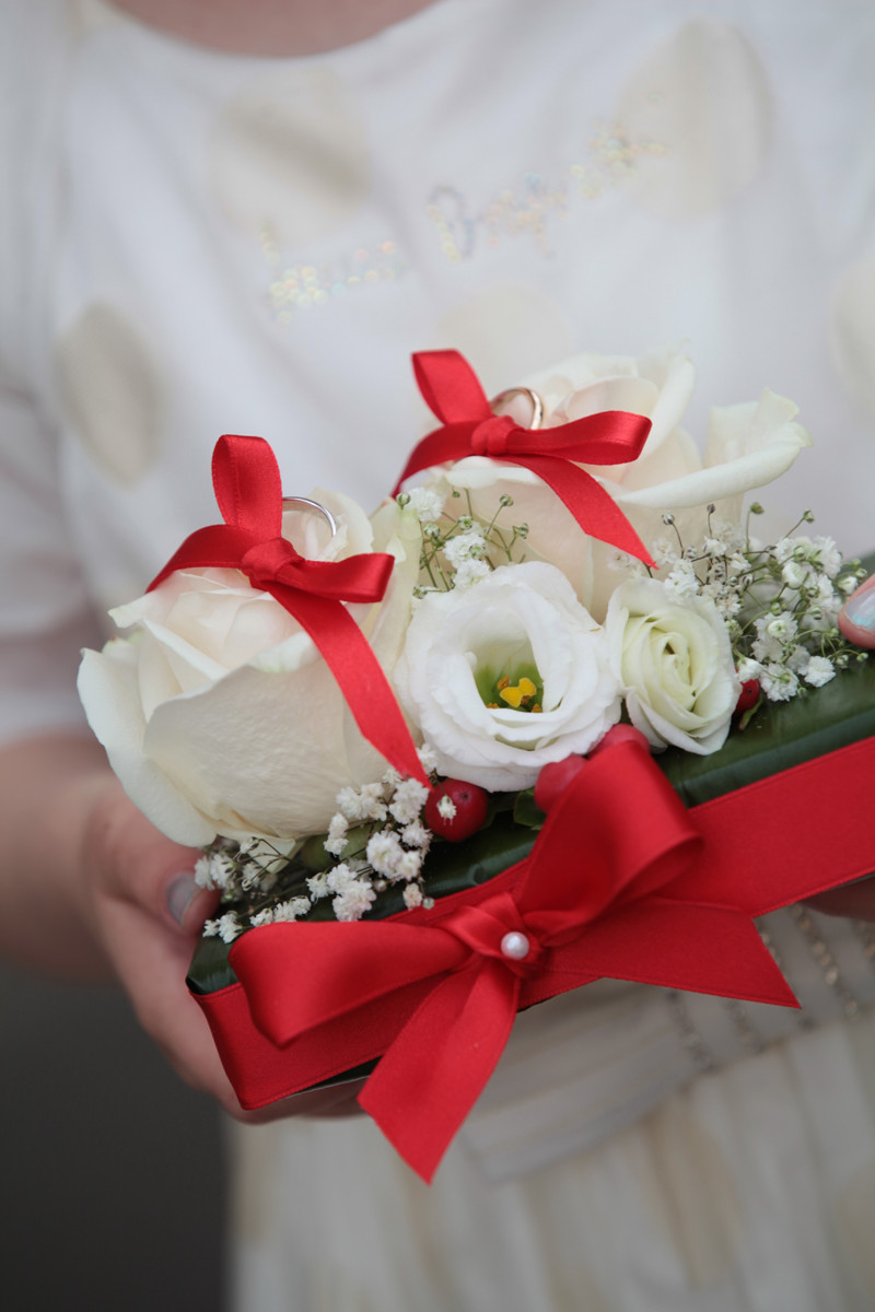 cuscino fedi fiori rosso