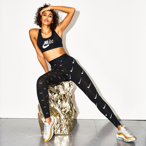 Nike Metallic Clash
