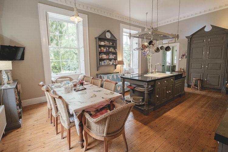 kitchen  - final angle 2  (1 of 1).jpg