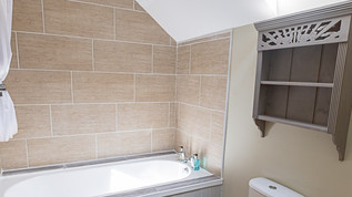 meynell mews 2 - bathroom (1 of 1).jpg