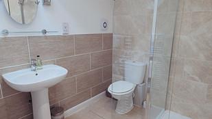 No.3 bathroom