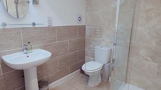 No.3 bathroom.jpg