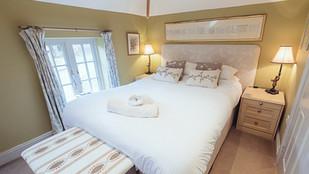 No.1 Bedroom(4)