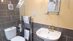 No.3 bathroom (2)