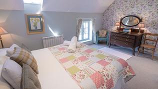 meynell mews 2 - bedroom c  (1 of 1).jpg
