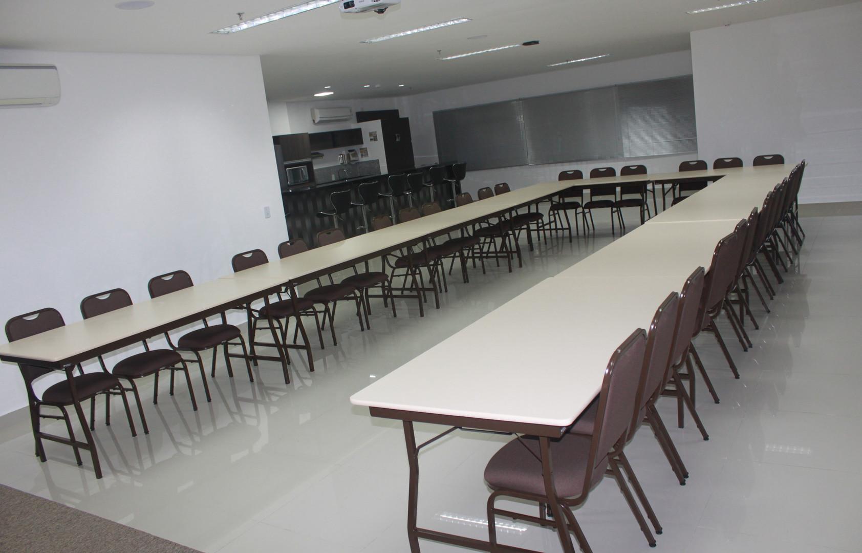 Mezanino (65 pessoas) / Mezzanine (65 people)