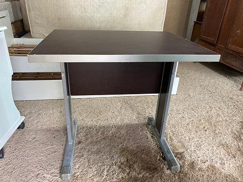 Mesa para escritório sem gaveta de ferro