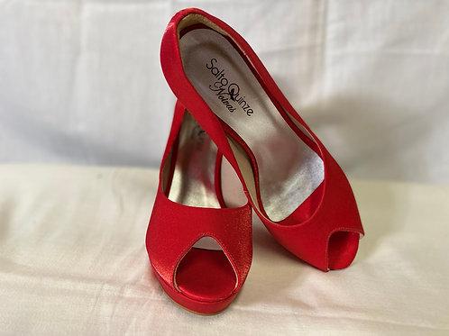 Sapato vermelho aberto meia pata