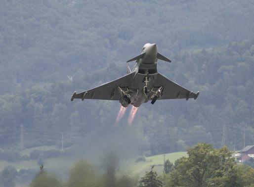 Eurofighter über Zoo: Einige Tiere schwer verletzt