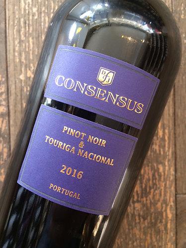 Consensus Pinot Noir - Touriga