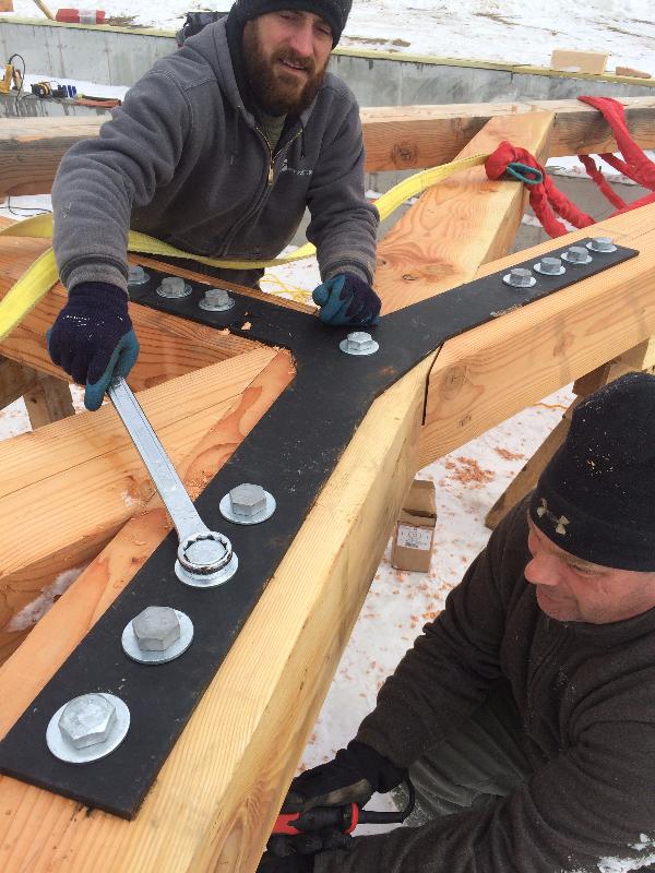 steel supports on scissor truss