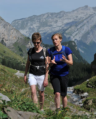 Sally-Anne Airey coaching in the mountai