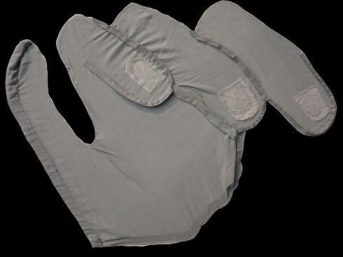 3 Daniella 01 gray hand.jpg
