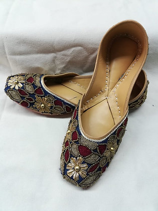 NAVY BLUE AND MAROON JUTTIS WITH GOLD WORK