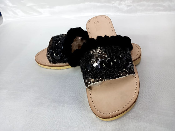 LEATHER SLIP ON WITH SEQUIN AND POMPOM