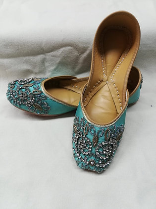 TURQUOISE COLOR JUTTI WITH DABKA AND STONE WORK