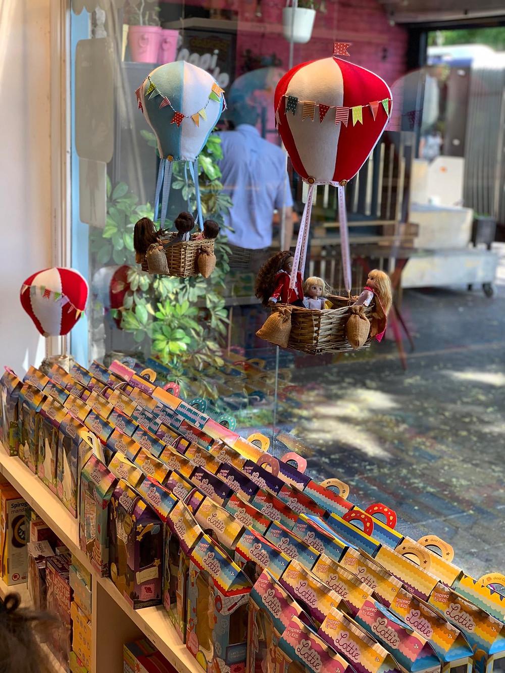 יום הולדת בחנות צעצועים בתל אביב טומי ואניקה