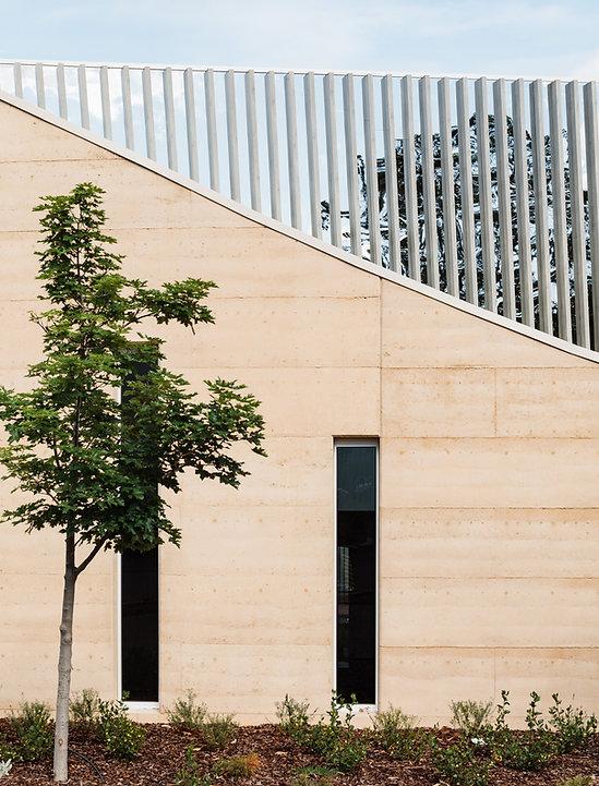 facade 02.jpg