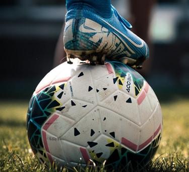 E se o futebol não for, sei lá, assim tão importante?