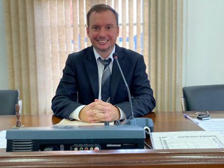Vereador Jeferson Wilian Karpinski assume a presidência da Câmara de Getúlio Vargas