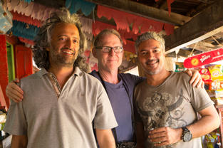 Samar Jodha, David Turnley and Manoj Jadhav after an early morning PhotoWalk with oor students.