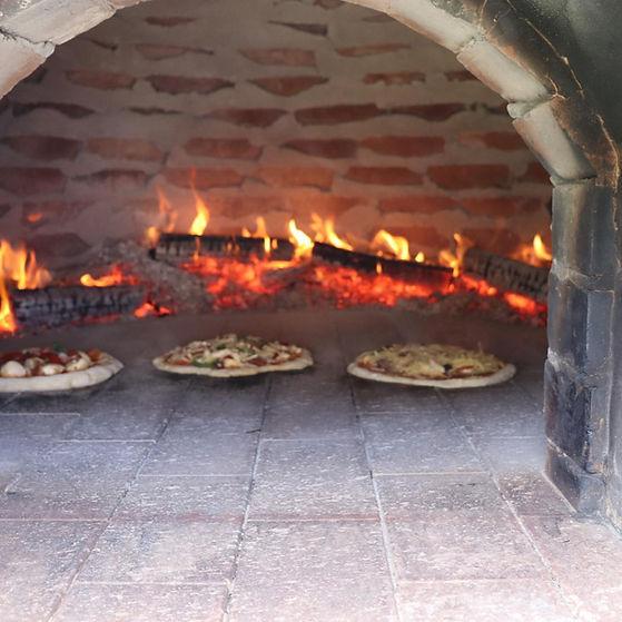 woodfirepizzas.jpg