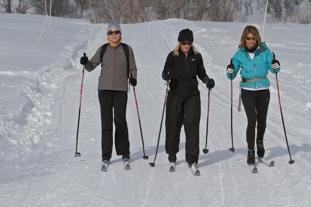3 women skiing.jpg