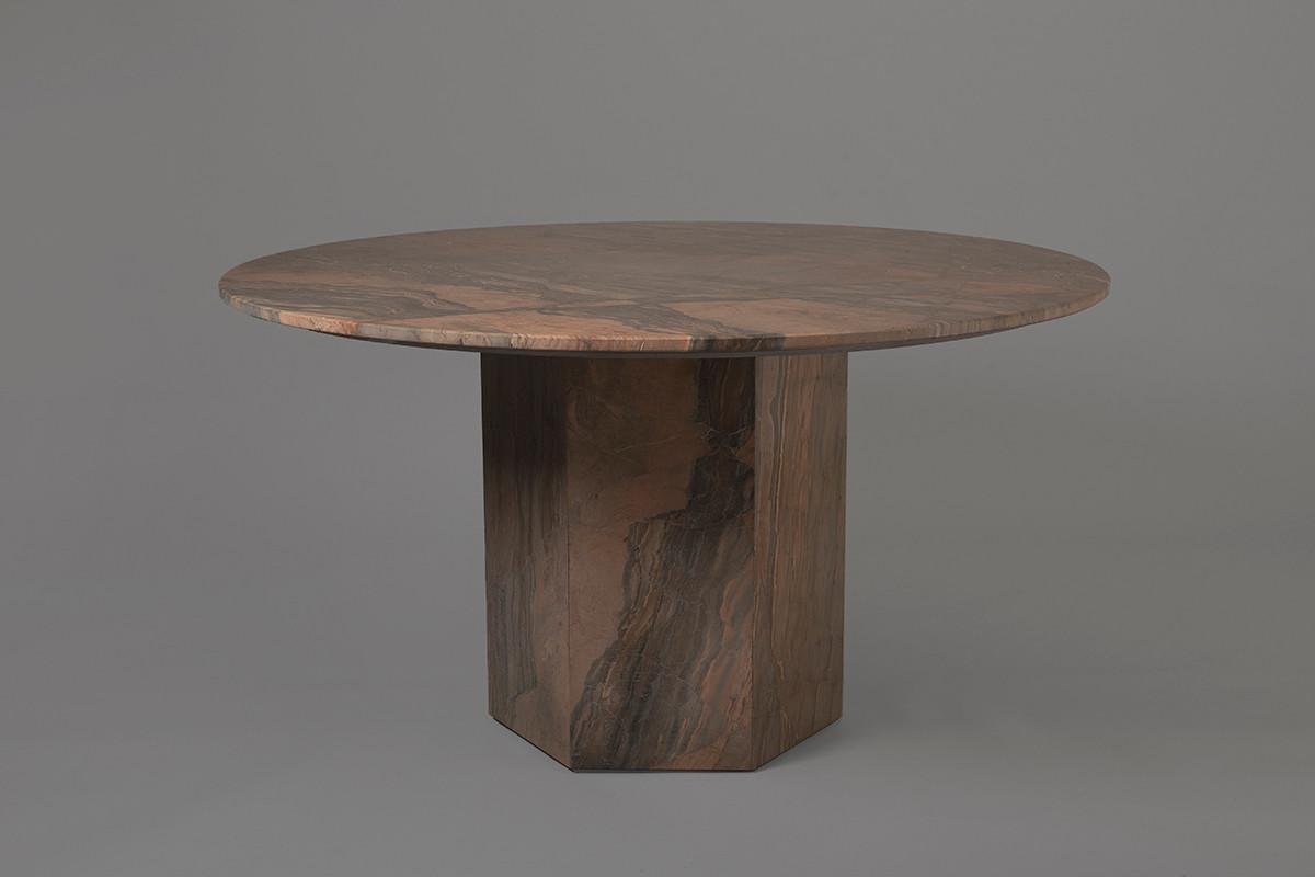 Totem Table. Cedrón Atelier. Marco Villa Mateos