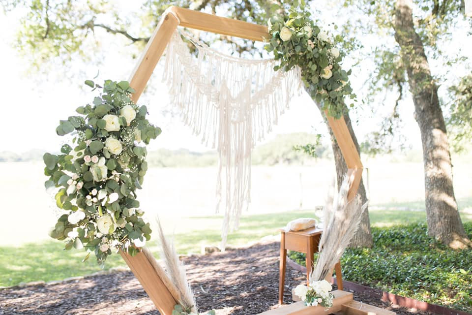 DIY Floral Geometric Wedding Arch Photos By: Karina Beseril Coordinating By: Faithful Plan