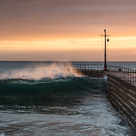 A Porthleven Wave