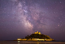 milky way over St Michaels mount in Cornwall on a workshop and tour