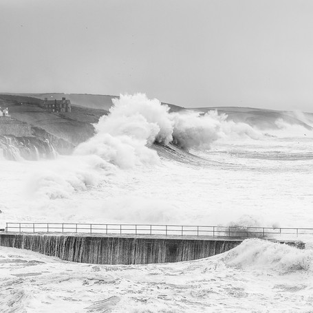 The Power of The Wave (B&W)