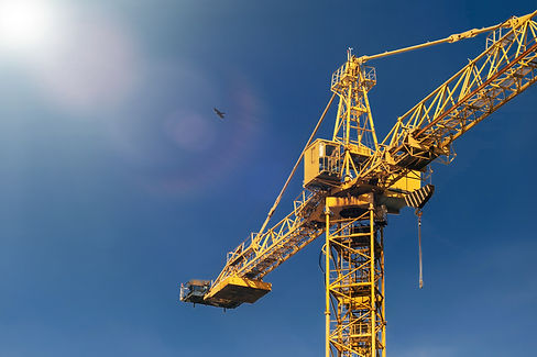 construction-crane-tower-in-sun-light-be
