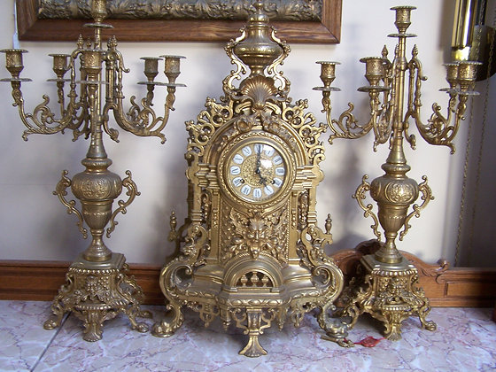 BRONZE BAROQUE FRENCH STYLE MANTLE CLOCK
