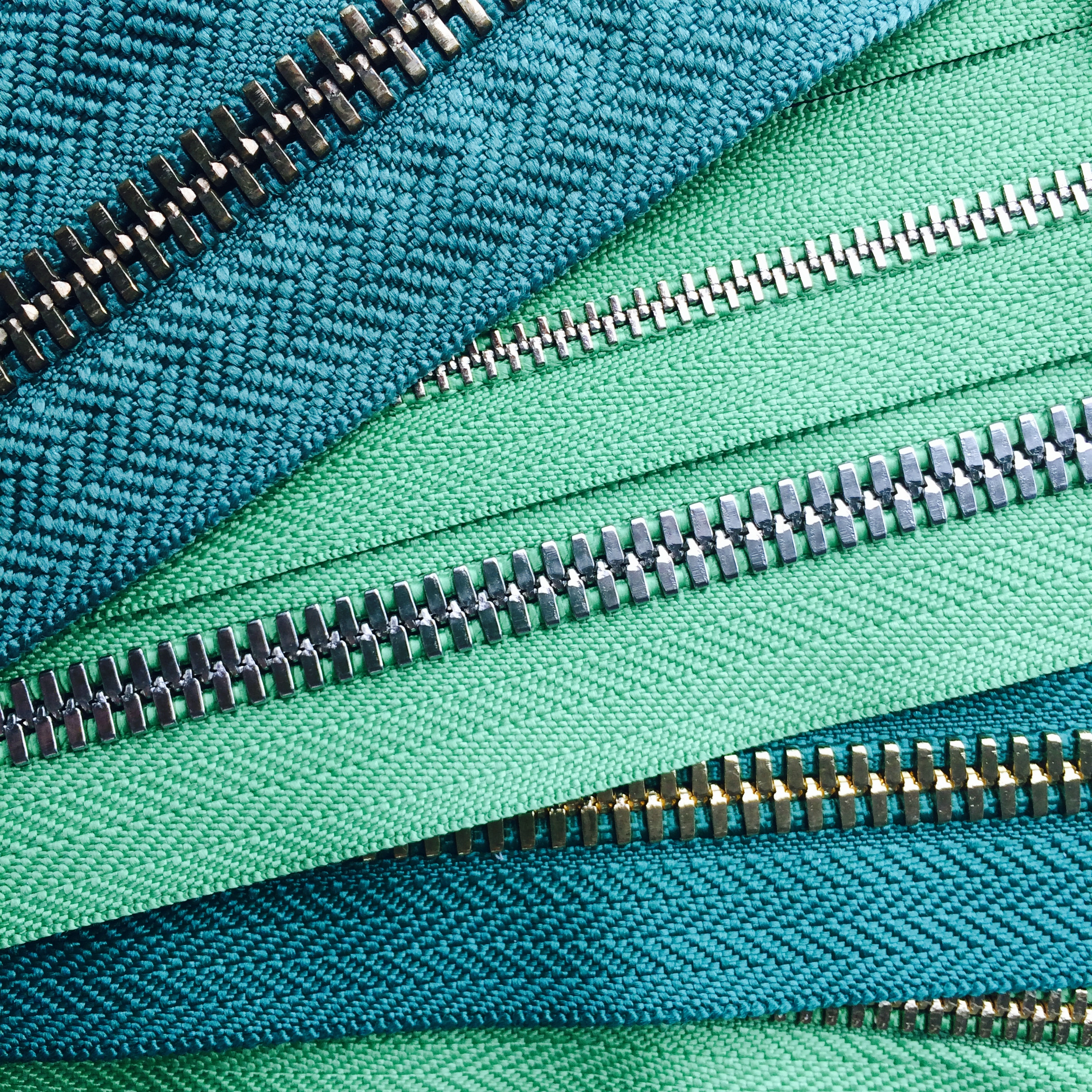 Metal Zipper with Green Tape