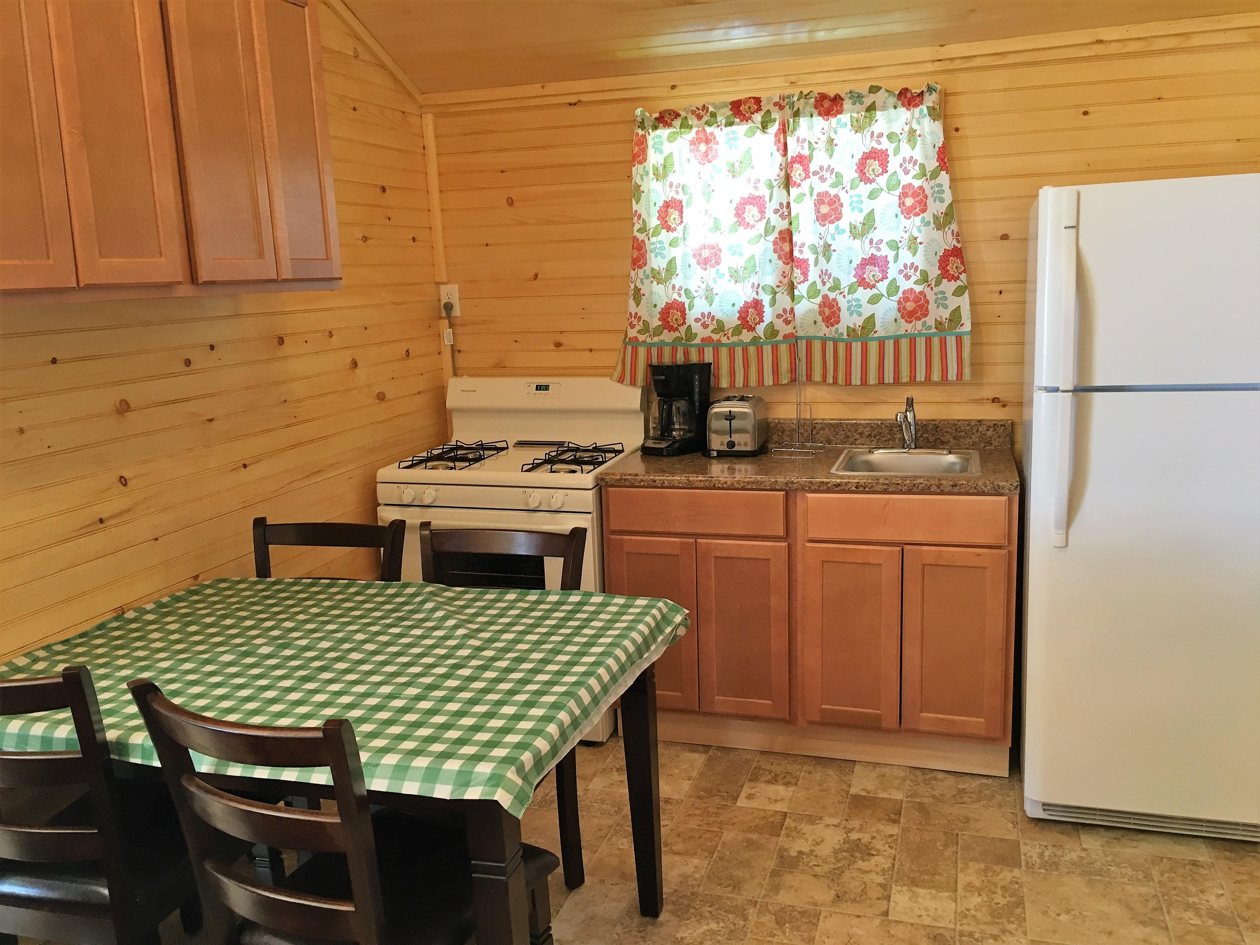 Cabin 24 (4)