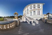 an der Schlosstreppe wide-4096.jpg