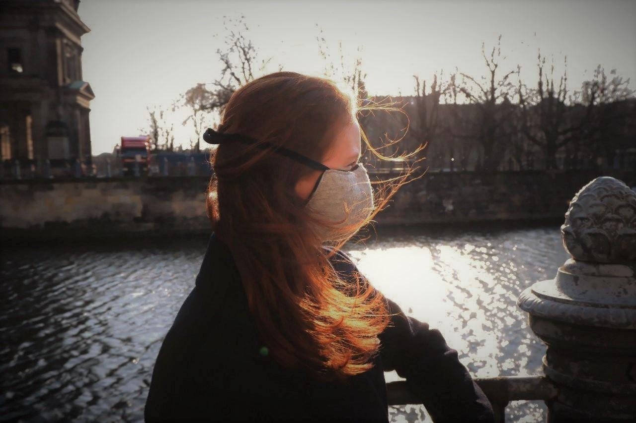 Schütze Dich und Andere mit schöner, dezenter Maske
