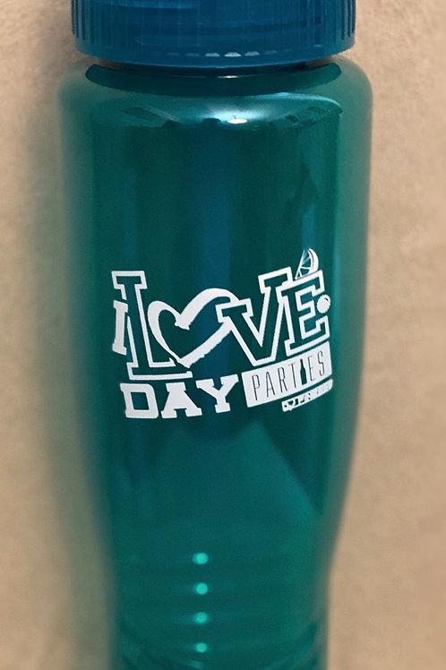 "Beverage bottle ""I LOVE DAY PARTIE"""