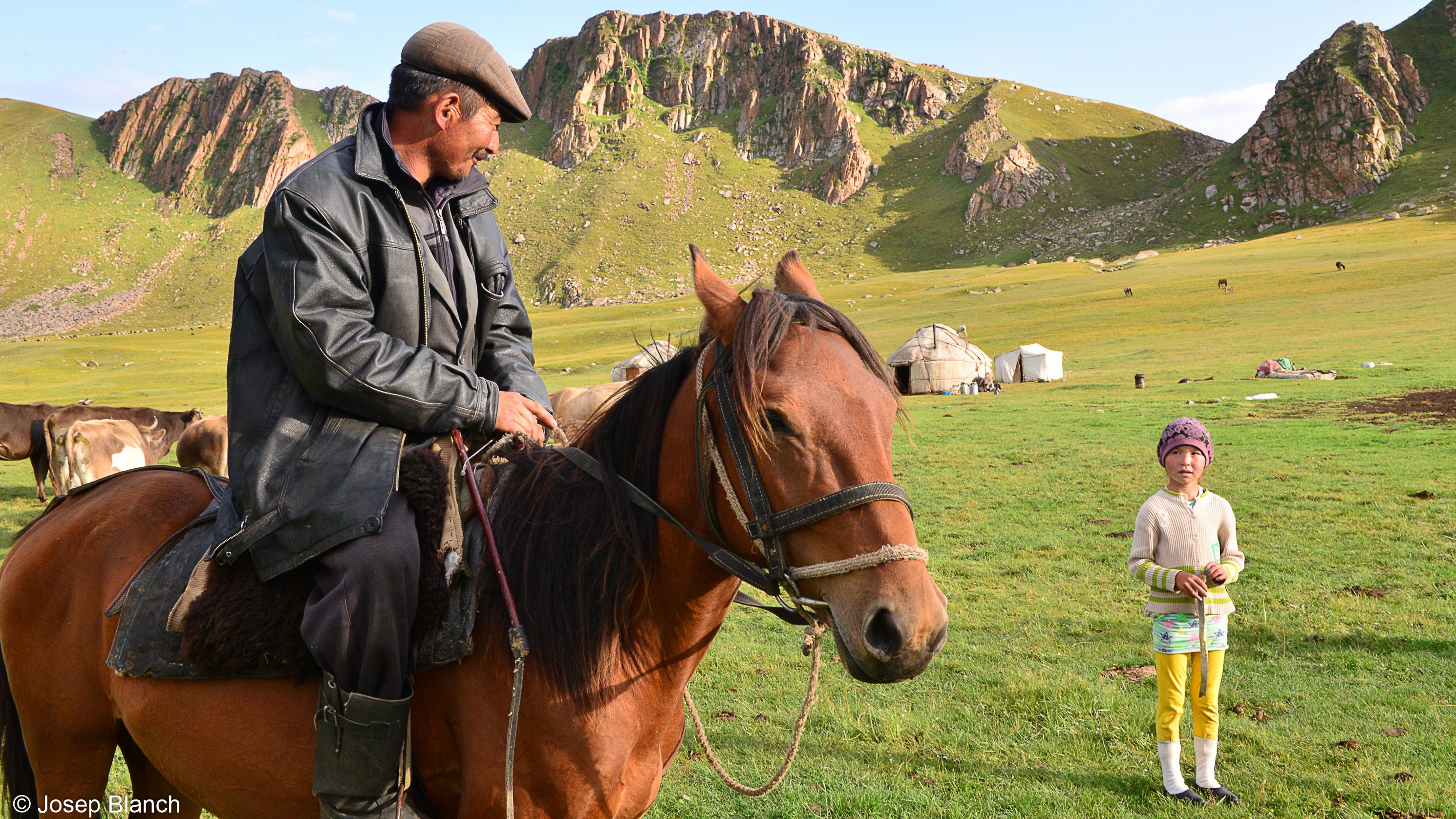 Kirguistan 000-117