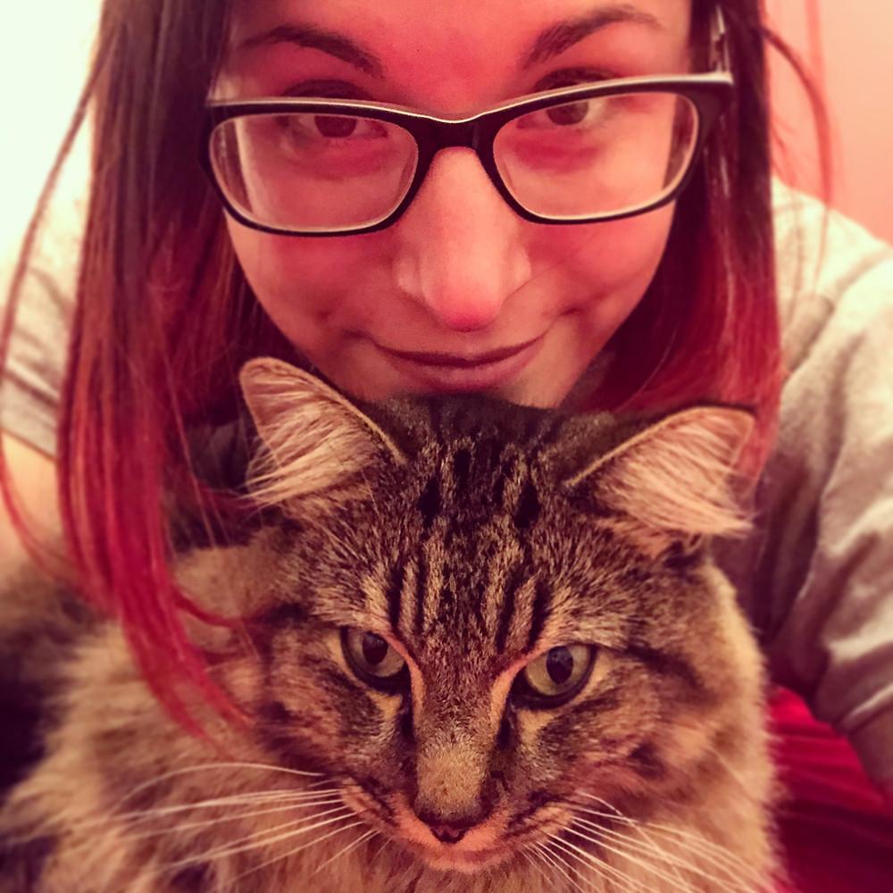 Julia Le Gallo and her cat Loki
